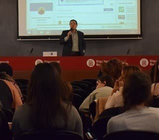 EU MEDITERRANI MAKES TWO CONFERENCES AT THE TECHNICAL DAYS OF TREBALL'S SCHOOL