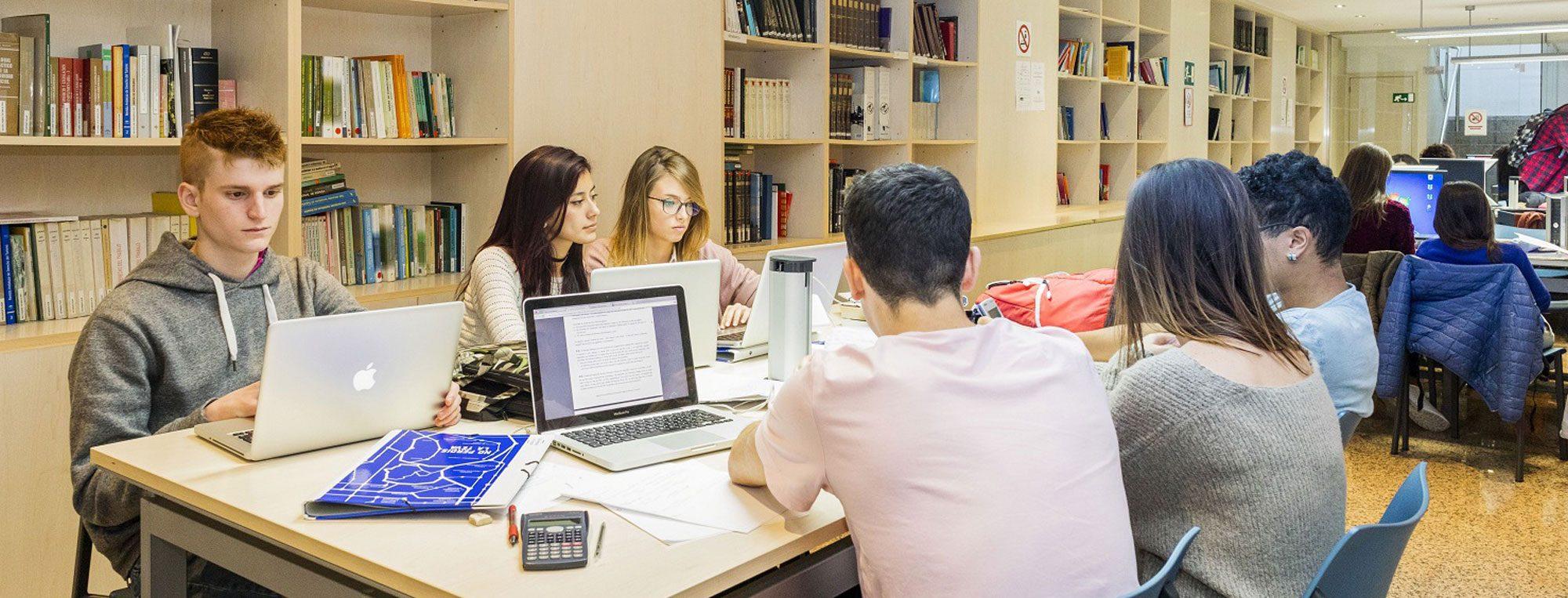 biblioteca escuela mediterrani