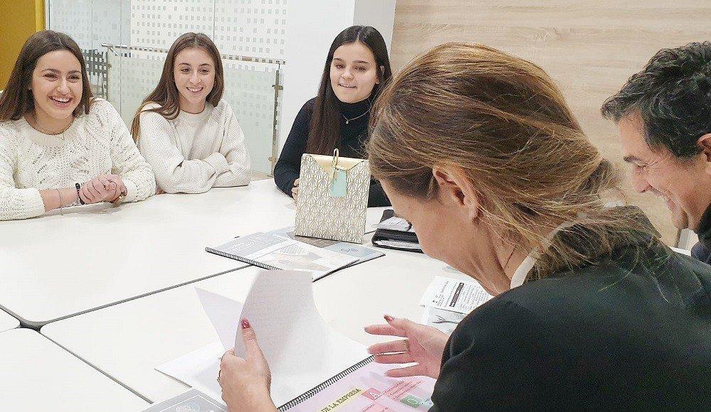 DEGREE IN MARKETING STUDENTS OF EU MEDITERRANI MARKETING PERFORM CONSULTING WORK